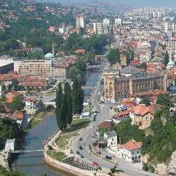 Registrovani turistički vodiči u Kantonu Sarajevo su u teškom položaju zbog velikog broja kolega koje rade na crno.