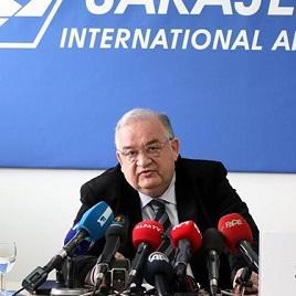 Sa Međunarodnog aerodroma Sarajevo redovno operira 11 aviokompanija i veći broj čarter letova. Tokom 2014. godine uvedena redovna direktna linija Sarajevo-Dubai.