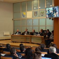 Na hitnoj sjednici Skupštine Kantona Sarajevo zastupnici su jučer imenovali nove upravljačke strukture u 14 kantonalnih javnih preduzeća na period od dvije godine.