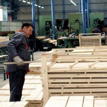 Ukupan izvoz drvne industrije BiH u 2016. godini iznosio je jednu milijardu i i 188 miliona KM.