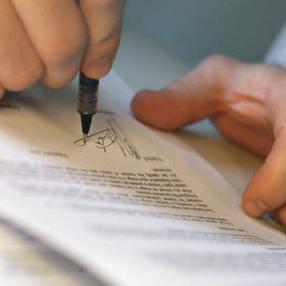 Direktor Agencije za sigurnost hrane Bosne i Hercegovine Sejad Mačkić potpisao je danas u Mostaru ugovore sa predstavnicima institucija kojima je na ovaj način zvanično dodijeljena sofisticirana laboratorijska oprema u vrijednosti 200 000 eura.