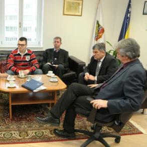 Načelnik Općine Centar Dževad Bećirević uputio je 31. decembra 2014. godine dopis Ministarstvu saobraćaja Kantona Sarajevo i KJKP Gras kao preduzeću čiji je vlasnik Kanton Sarajevo.