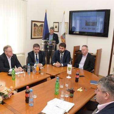 Izgradnje Prve transverzale je od esencijalnog značaja za građane sa područja Općina Centar i Vogošća, ali i cijelog Kantona Sarajevo.