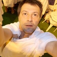 Izložba fotografija Harisa Memije: Odlazak na hadž iskoristio za pravljenje serije fotografija - Otvaranje izložbe 15. aprila 2009. godine