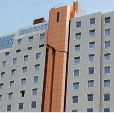 """Radnici vraćaju gazdin kredit: Hotel """"Tuzla"""" pred stečajem"""