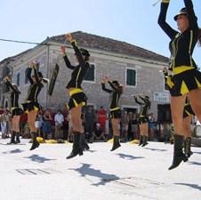 Tradicionalna karnevalska povorka mostarskih mažoretkinja 18. veljače