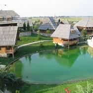 Etno-sela mamac za strane turiste