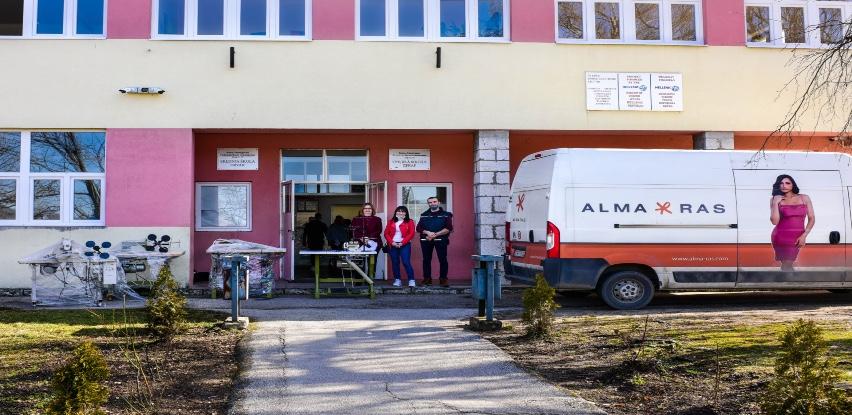 Privatna bh. kompanija poklonila mašine učenicima Srednje škole Drvar