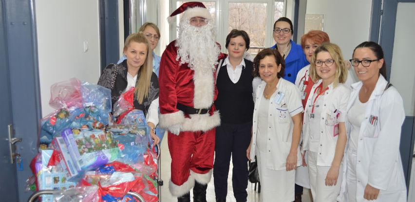 Poklon paketi za najmlađe pacijente UKC Tuzla
