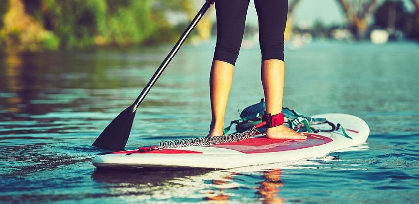 Provedi najljepše trenutke na vodi na Firefly ISUP 300