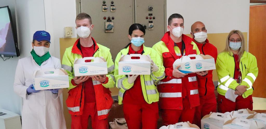 Hoše komerc poklon tortama čestitao 6. april uposlenicima Hitne pomoći