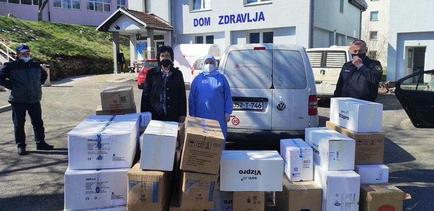 Općini Foča donirane zaštitne maske i sredstva za dezinfekciju (Foto)