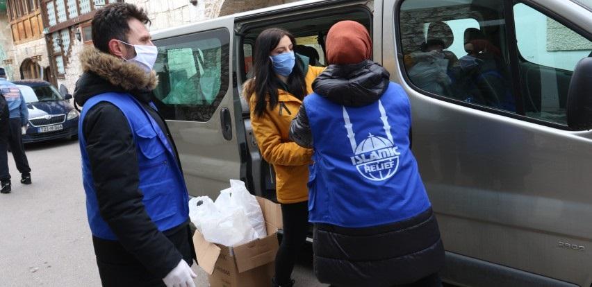 Islamic Relief počeo sa podjelom higijenskih paketa korisnicima narodnih kuhinja