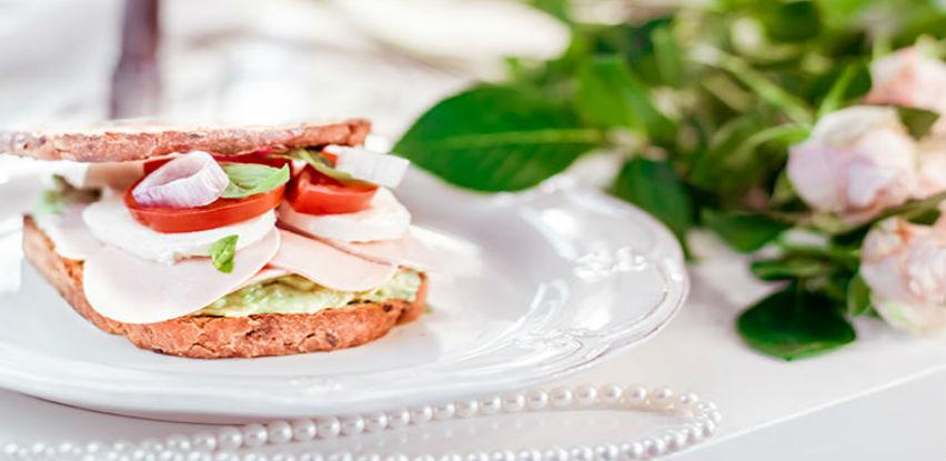 Lady Poli diva među sendvičima