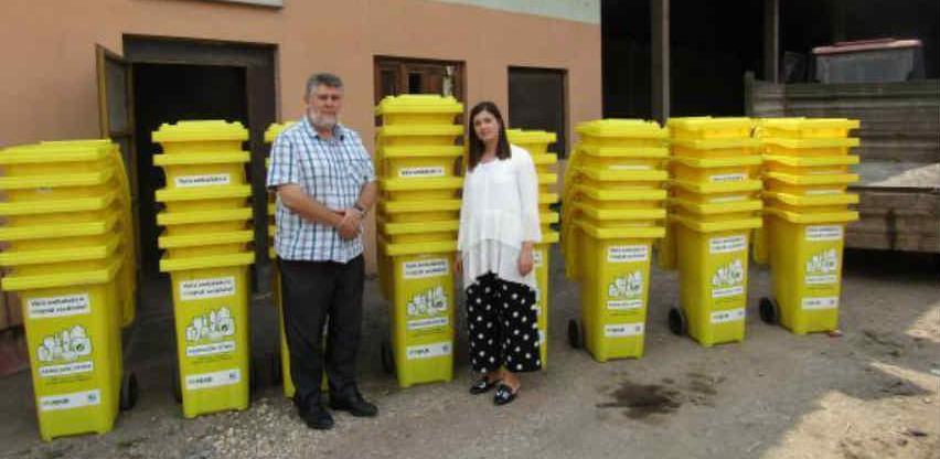 Za prikupljanje ambalažnog otpada Općini Breza isporučene dodatne kante
