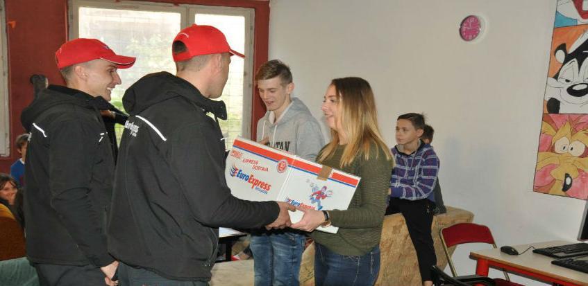 """Donacija EuroExpress brze pošte za djecu u Dnevnim centrima """"Gnijezdo"""""""