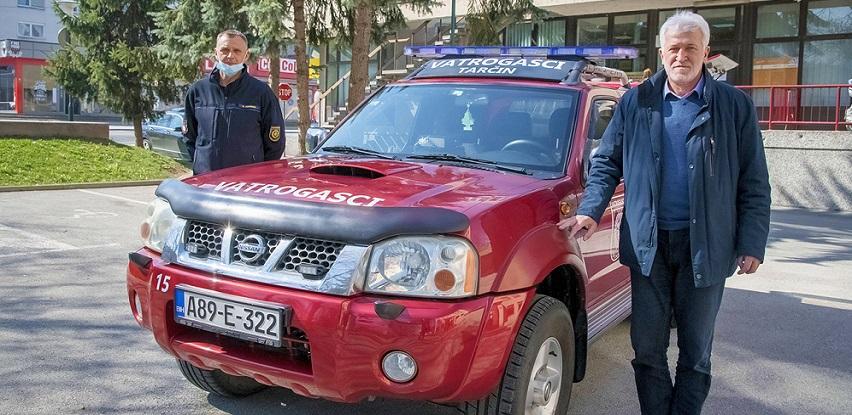 Načelnik Ejubović uručio terensko vozilo pripadnicima VD Tarčin