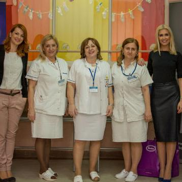 Violeta i Bingo uručili donaciju porodilištu u Tuzli