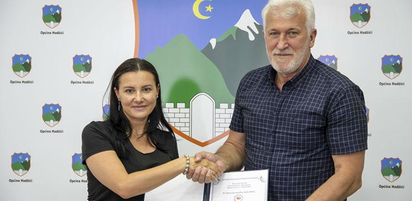Direktorica Preljević uručila zahvalnicu načelniku Ejuboviću