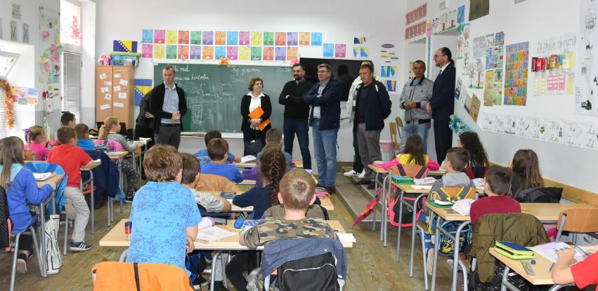 Delegacija KS najavila konkretnu pomoć za učenike i nastavnike Konjević Polja