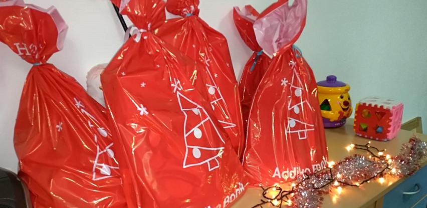 Addiko paketići za korisnike dnevnog centra pri Prvoj osnovnoj školi u Konjicu