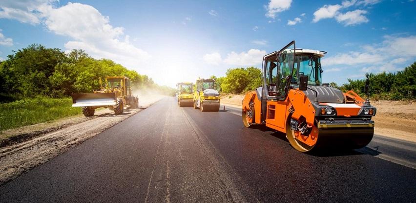 Firma Holex specijalizirala za ugradnju kamenih agregata kao i polaganje asfalta