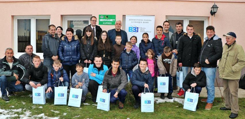 BBI banka uručila stipendije djeci povratnika na Kupres