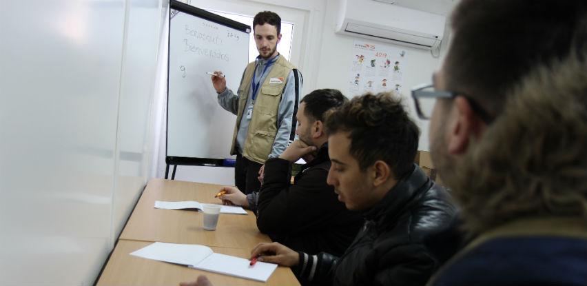 Časovi informatike, italijanskog i španskog jezika za izbjeglice i migrante