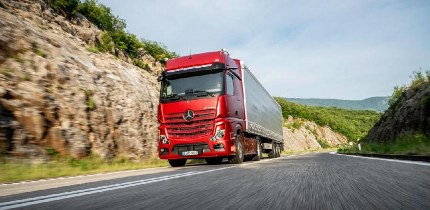 Novi Actros serijski kamion s djelomično autonomnom vožnjom