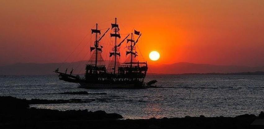 Мајоrka turske obale Alanya je mjesto gdje se Orijent I Evropa spajaju