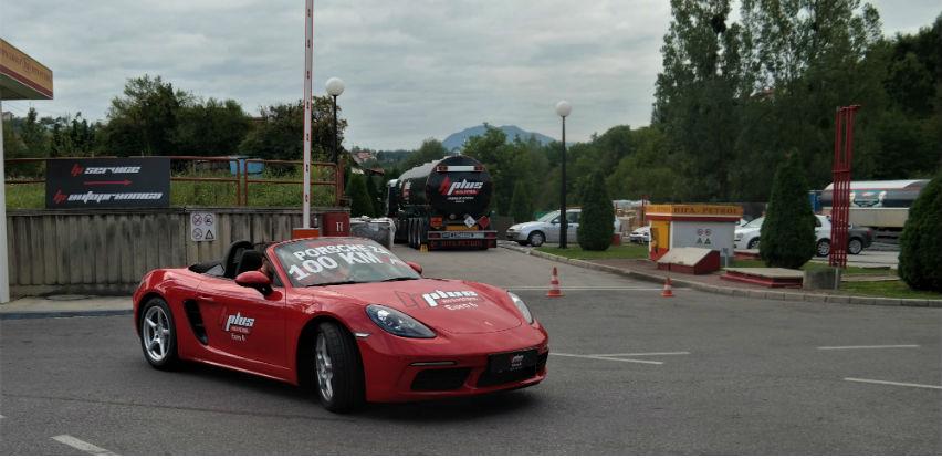 Uručena glavna nagrada - automobil Porsche Boxster