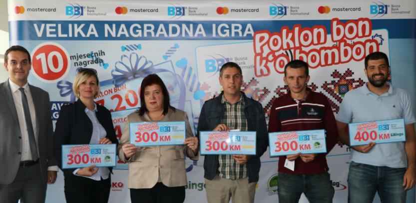 "Izvučeni dobitnici nagradne igre BBI Banke i Mastercarda:""Poklon bon k'o bombon"""