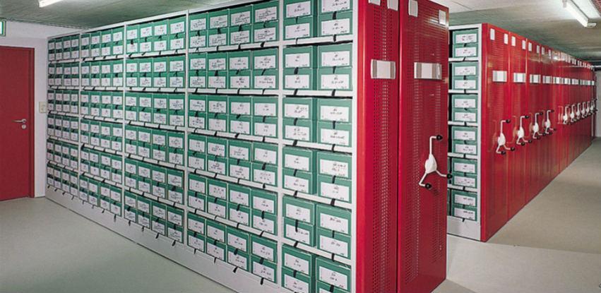 Fiksni regali/police za maksimalnu prilagodbu prostoru i dokumentima