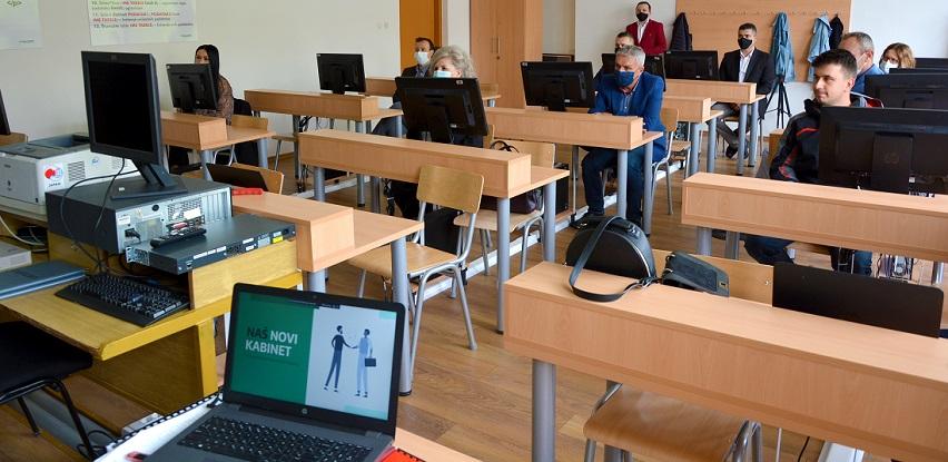 Novi informatički kabinet za kakanjske gimnazijalce