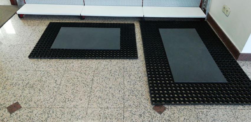 Dezinfekcione barijere na ulazu u poslovne objekte