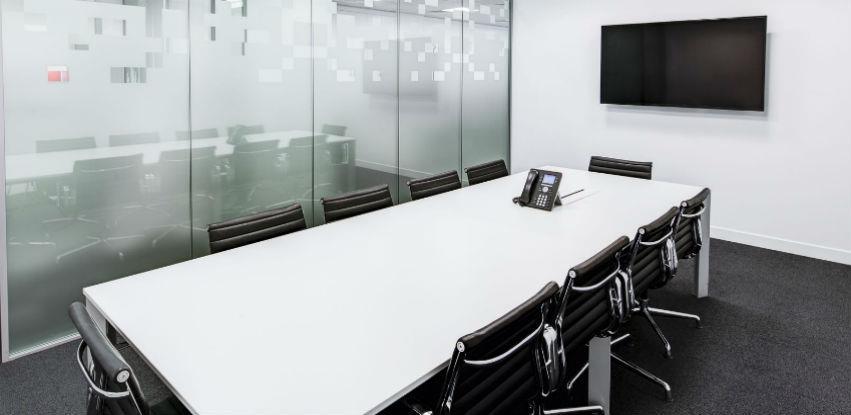 ProTim kancelarijski namještaj za operativni ili menadžerski program
