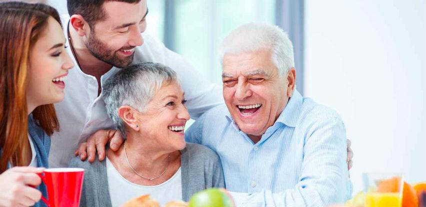 Da li neko blizak Vama ima oštećen sluh?