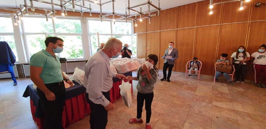 Gračanica: Besplatni udžbenici za Rome za sve razrede