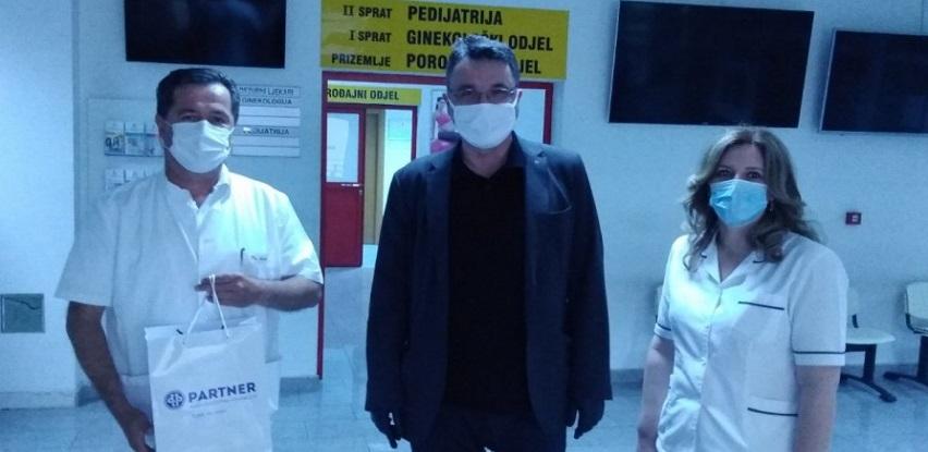 Partner MKF Kantonalnoj bolnici Mostar uručio termovizijsku kameru