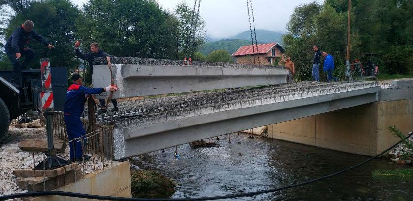 Širbegović: Donacija betonskih nosača u vrijednosti 35.000 KM