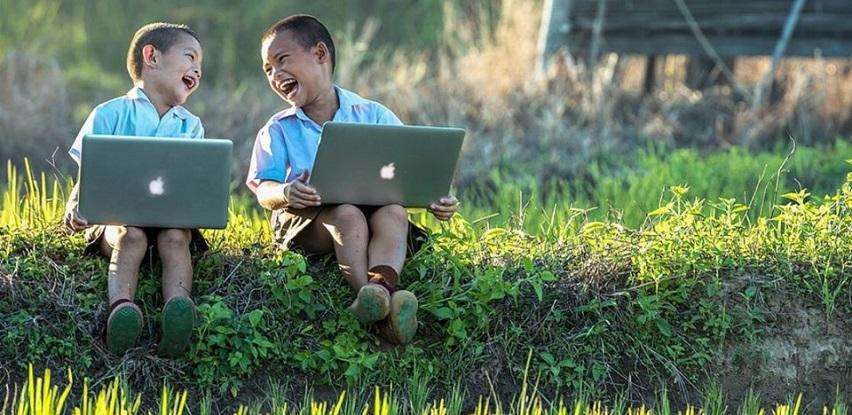 MacBook Pro - Povezani, uvijek i svugdje