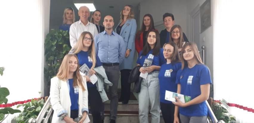 Općina Velika Kladuša priprema srednjoškolce za rad