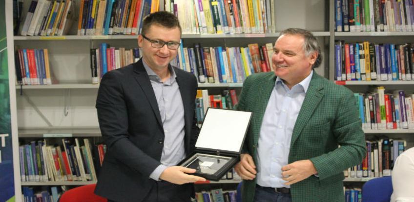 ProCredit Bank finansirala obnovu biblioteke EFSA