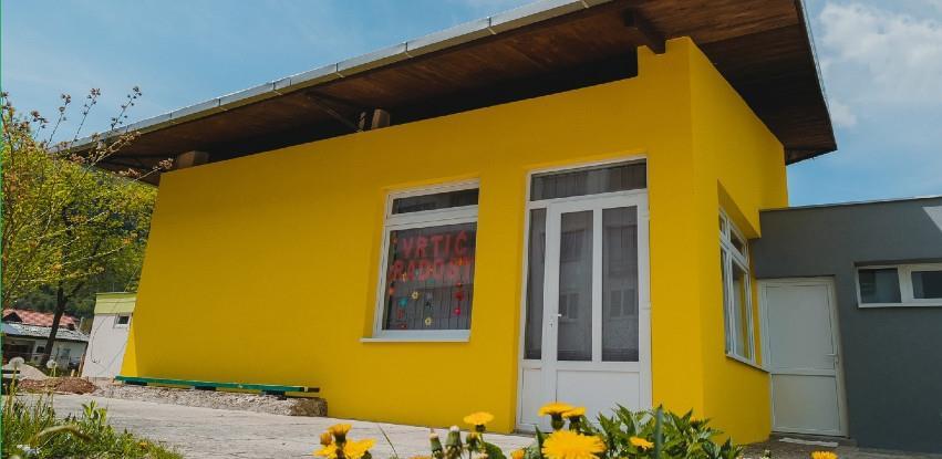Donacijom Baumita obnovljen dio fasade vrtića Radost
