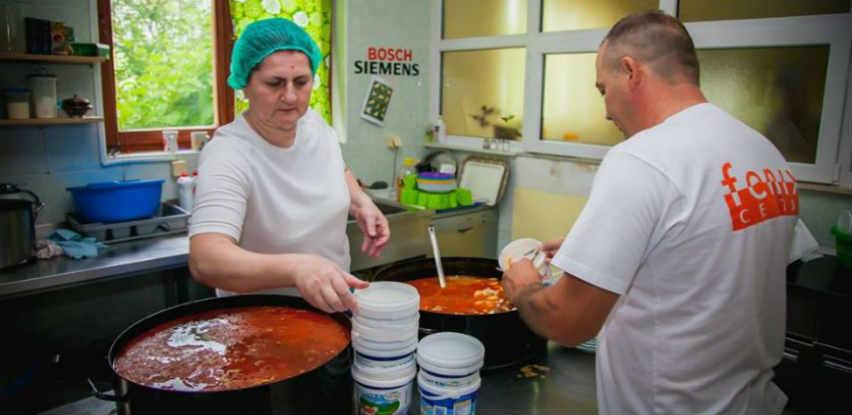 Narodna kuhinja Centra Fenix svaki dan priprema besplatne obroke za sugrađane