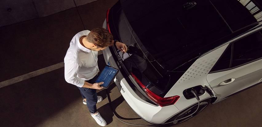 Servisiranje električnih automobila