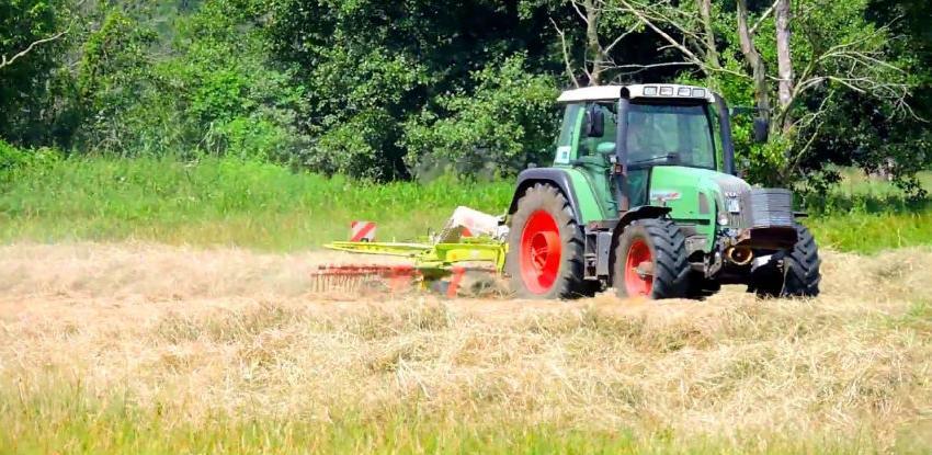 Priključci za traktore: Mašine za košenje i skupljanje sijena