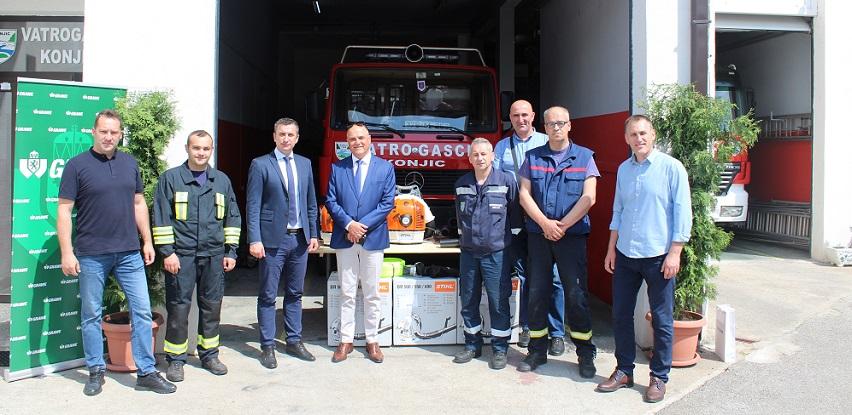 GRAWE osiguranje doniralo opremu vatrogascima Konjica