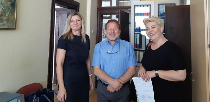 MKF MI-Bospo donirao rekvizite za fiskulturnu salu SŠC-u u Srebrenici