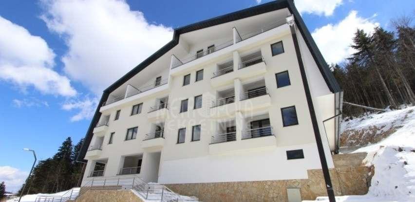 Metropola nekretnine: Dvoetažni apartman sa ostavom (skijašnicom) oznake A20